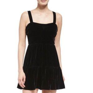 ✨HOsT Pick✨🖤Alexander McQueen Tiered Velour Dress